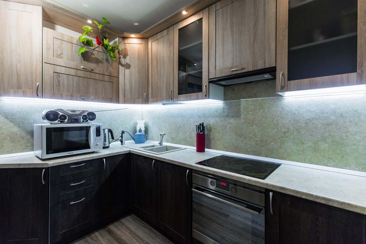 Кухня угловая, в стиле кантри.