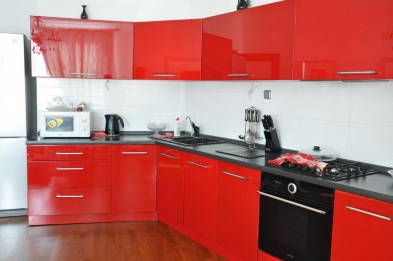 Кухня глянец, в рубрике,-цвета и материалы.