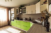 Кухонный гарнитур № 245 МДФ(рамочный)/зеленый/бежевый. Цена: 79700 руб.