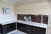 Кухонный гарнитур №232 пластик HPL/глянец/бежевый/черный. Цена: 48900 руб.